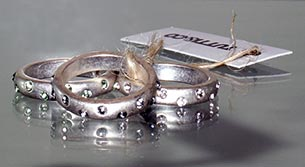Muffins Jewellery collection is home to a variety of lovely rings